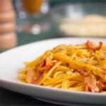Spaghetti alla carbonaraczyli rzymski makaron górników