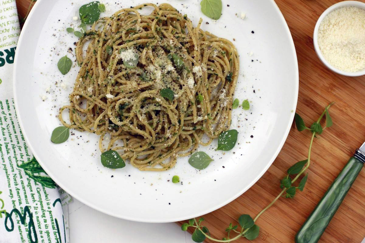 Spaghetti alle erbe. Aromatyczne spaghetti z ziołami