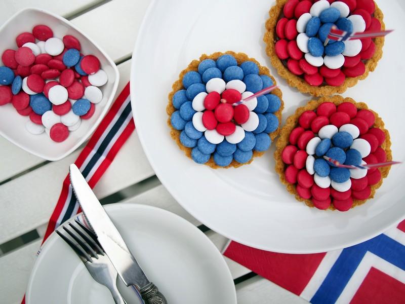 Czekoladowe mini tarty z okazji norweskiego Święta Konstytucji