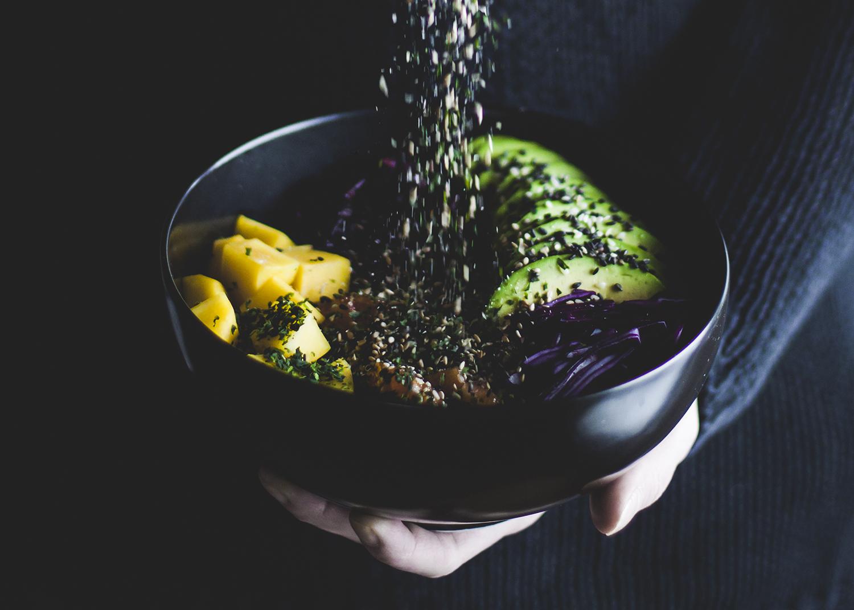 Poké Bowl w kolorach tęczy